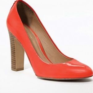 - Like new Coach Sue Patent Carnelian Pumps(…